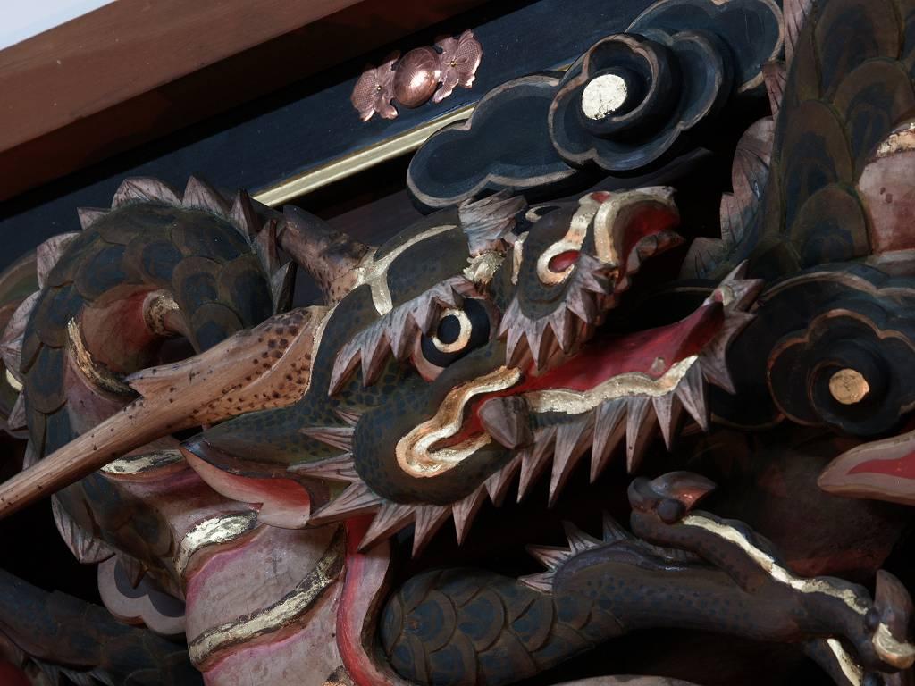 本堂欄間の竜